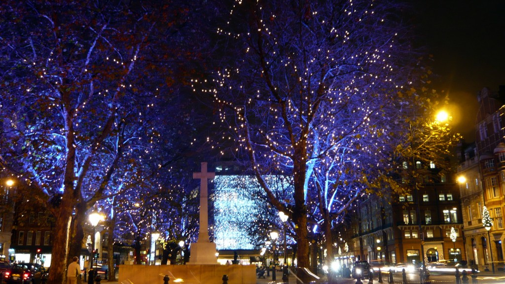 Christmas_Lights_Switch_On